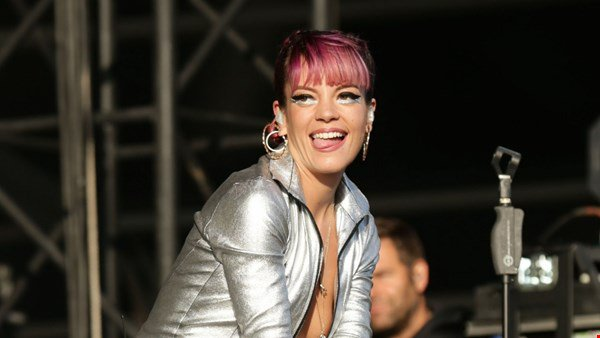 Lily Allen laughs off 'collapse' at Carnival
