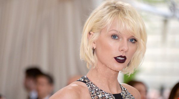 You'll never guess why Taylor Swift missed the VMAs