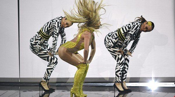 Poor Britney's MTV VMAs performance just couldn't live up to Beyonce