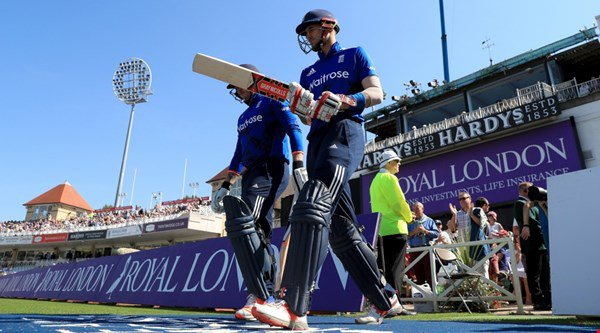 Eoin Morgan captains England to world record cricket score