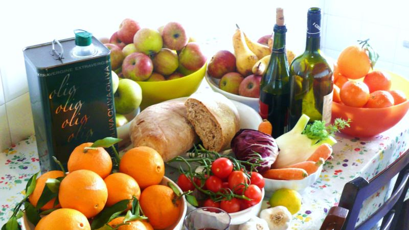 Mediterranean Diet Better than Statins, Study Shows