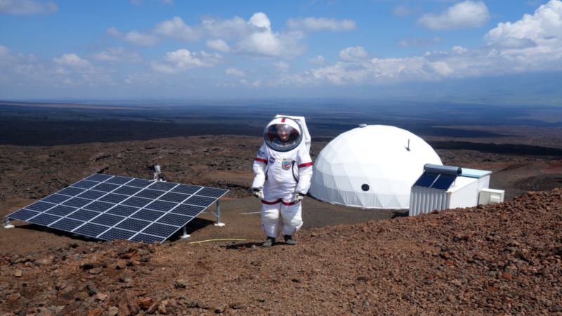 Scientists in Hawaii Simulate Living on Mars for A Year