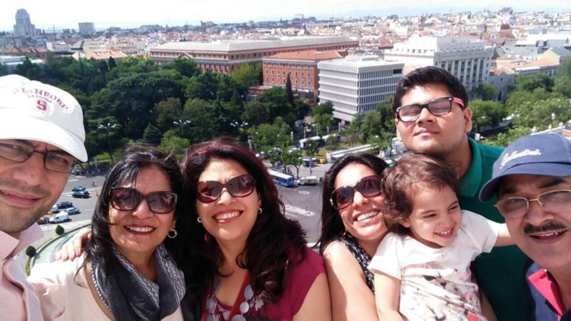 Number of Globetrotting Indian Tourists Swells With Rising Incomes