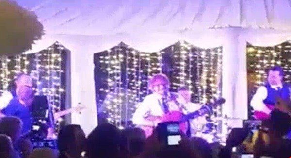 Ed Sheeran and Johnny McDaid take to the stage at Derry wedding