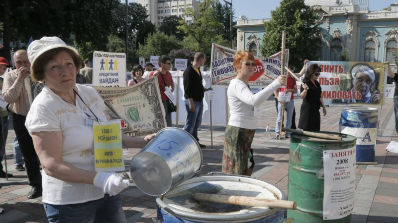 Ukraine Faces Battle to Speed Economic Growth, Secure Peace