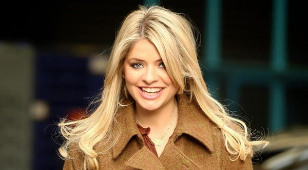 This Morning's Holly Willoughby has been given a surfer chick makeover by daughter Belle