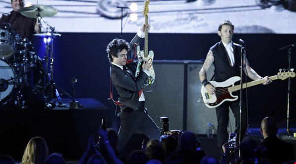 Green Day are returning to the UK as they announce new tour dates