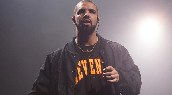 £2.2 million in jewels missing from Drake's tour bus