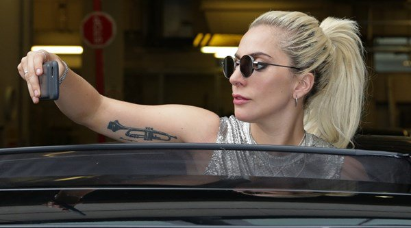 See Lady Gaga do a surprise turn at an east London club