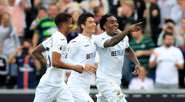 Swansea's controversial fightback against Chelsea sent fans on Twitter wild