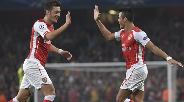 Premier League rumours: Arsenal try to tie Ozil and Sanchez down to new deals