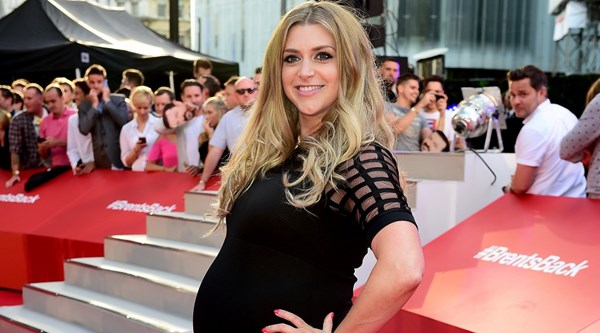 TV presenter Anna Williamson reveals plan to eat 'encapsulated' placenta