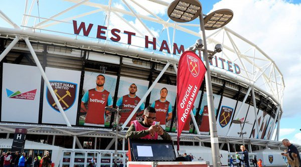 West Ham fans want to go back to Upton Park after latest loss at new home