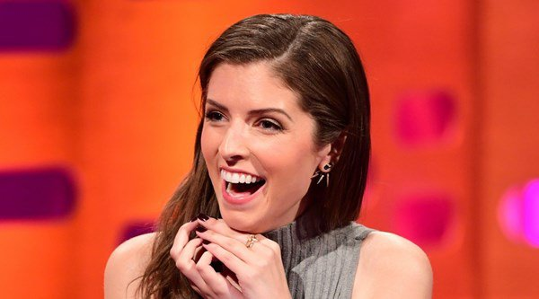 Great British Bake Off fan Anna Kendrick dubs hosts Mel and Sue 'folk heroes'