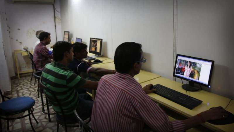 India Launches First Internet Hotline to Tackle Surge in Child Porn