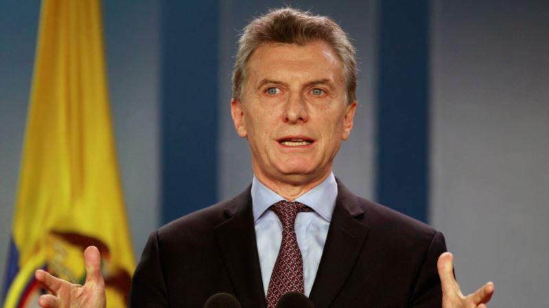 Argentina's Economy Shrinks for Third Straight Quarter