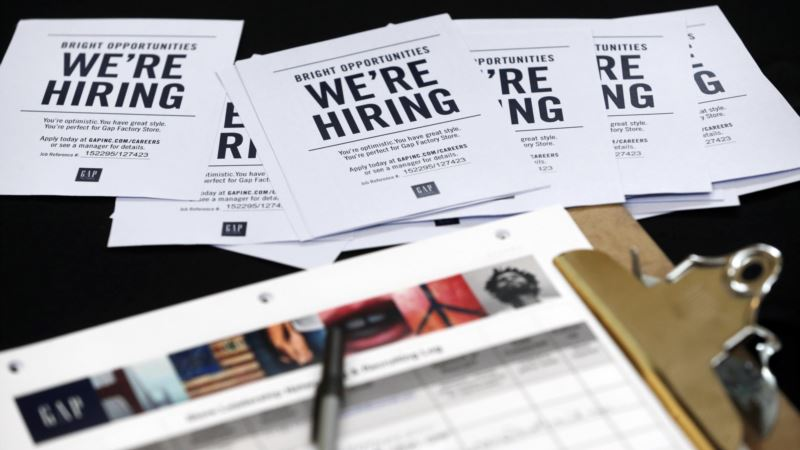Applications for US Unemployment Benefits Slipped Last Week