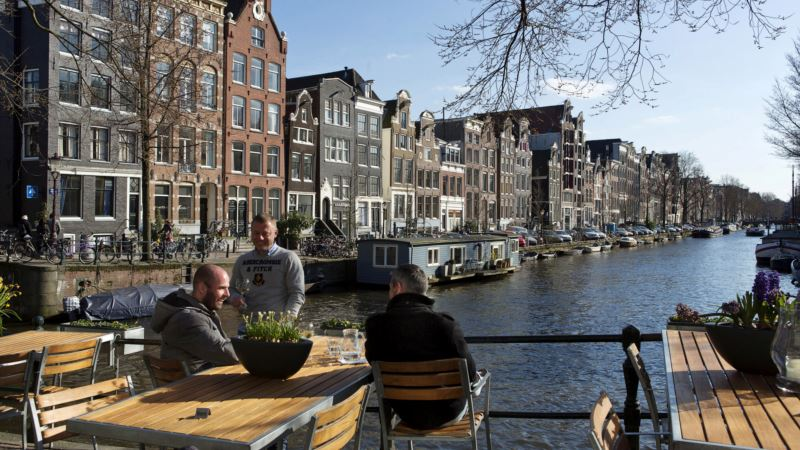 Roboats Ahoy – Amsterdam Canals Picked to Test Self-driving Fleet