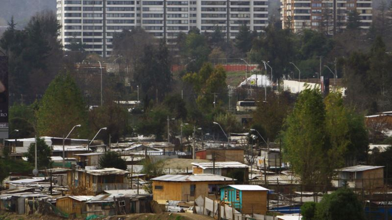 Fewer Chileans Live in Poverty Despite Weak Economic Growth, Government Says