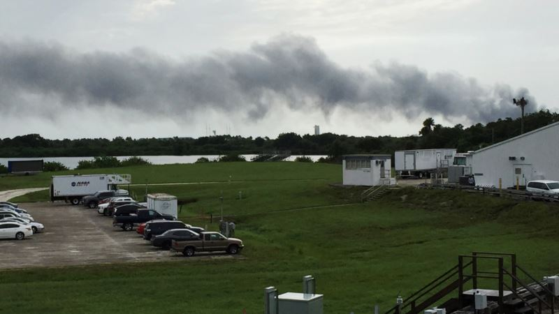 SpaceX Says Space Taxi Project Continues Despite Accident Probe