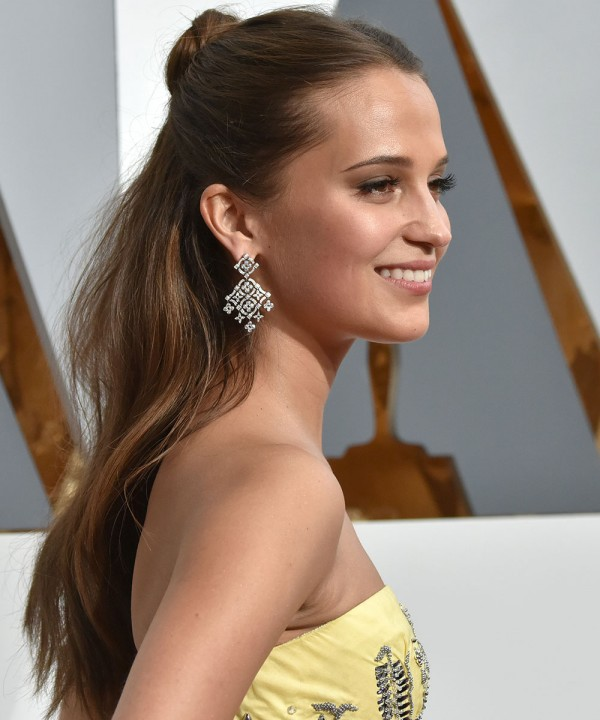 #SkinGoals – How To Get Alicia Vikander's Glowing Complexion