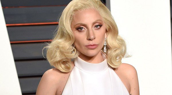 Lady Gaga to sing in bars instead of arenas