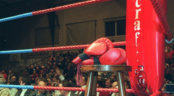 Scottish boxer Mike Towell dies after bout in Glasgow