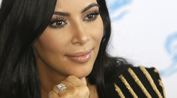 Kim Kardashian back in the US after being robbed in Paris