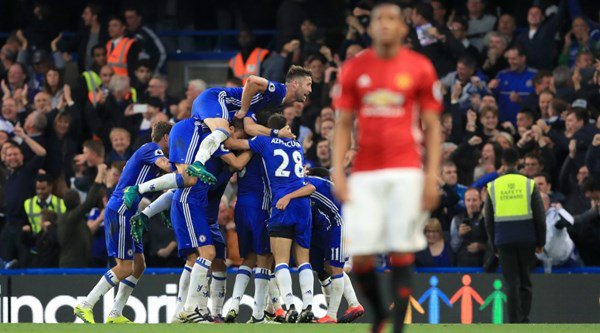 Twitter was at its funniest as Chelsea hit four past Man United on Mourinho's return