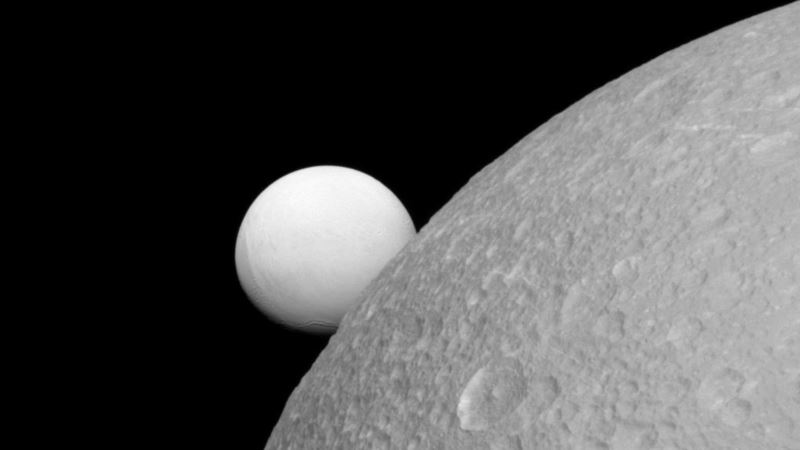 Researchers Discover Subsurface Ocean on Saturn's Dione Moon