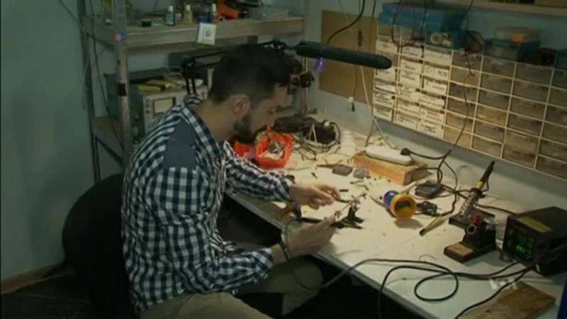 Two Belarusian Men Invent Simple, Inexpensive Prosthetic Arm