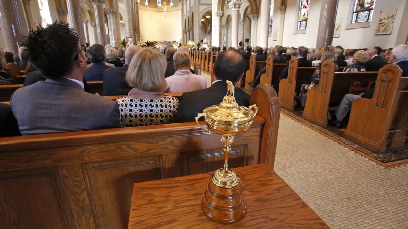 Golf Greats Laud Palmer at Memorial Service