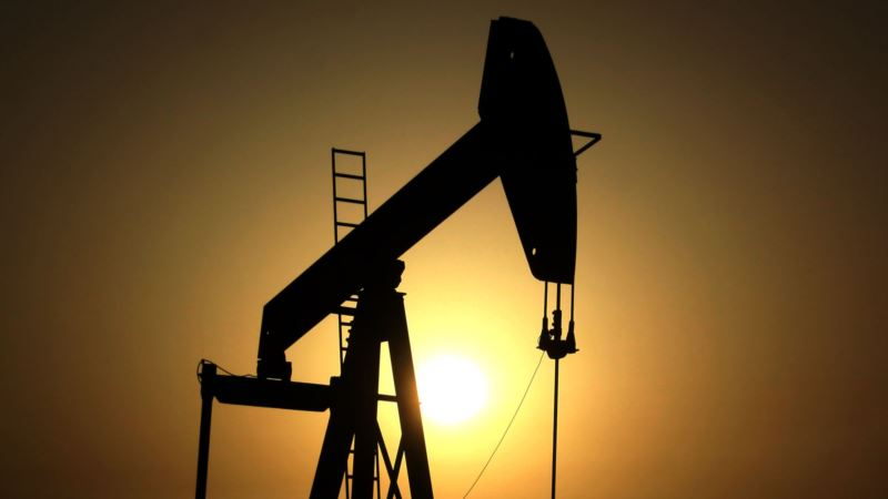 OPEC Must Enact Cuts for Sustained Oil Price Rise, IEA Says