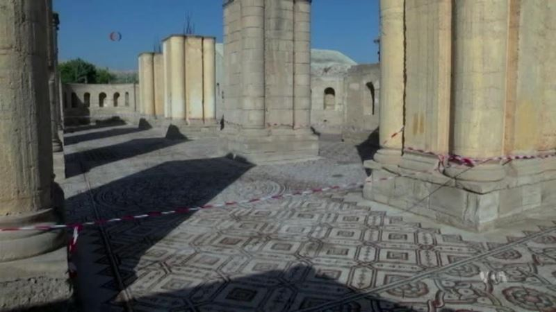 Visitors Get Rare Glimpse of Ancient Mosaic in West Bank