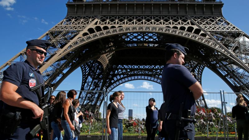 French Tourism Companies Want Special Police Force Amid Safety Fears