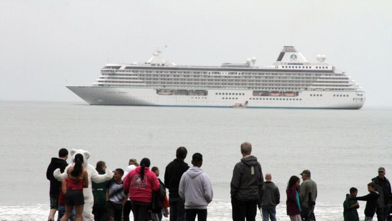 Bigger Cruise Ships Visit Arctic, Raising Concerns