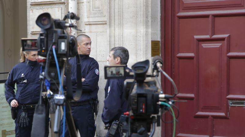 Paris Gunmen Rob Kardashian West of Millions in Jewelry
