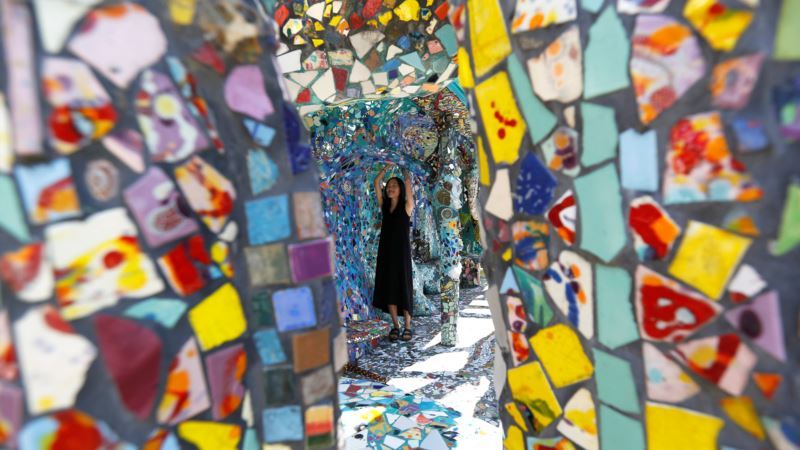 California Mosaic House a Romantic Homage to Two Artists