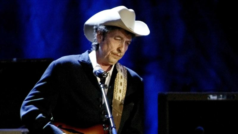 How Does it Feel? Nobel Judges Can't Reach Dylan