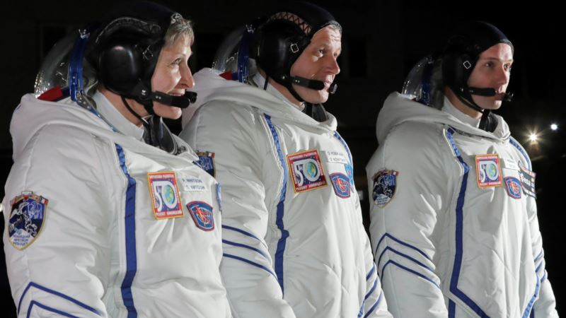 Two Veterans, Rookie Join International Space Station
