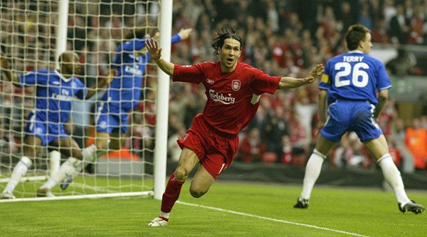 Luis Garcia's 'ghost goal' costume made him the champion of Halloween 2016