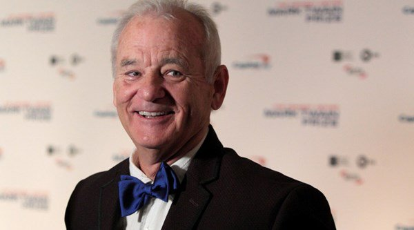 Bill Murray gives ticketless baseball fan a seat at all-important game