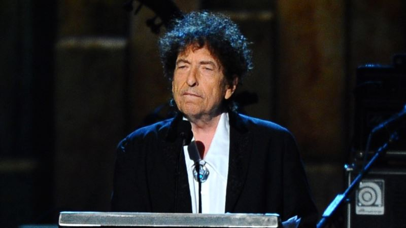 Nobel No-show: Dylan Not Coming to Stockholm to Get Prize