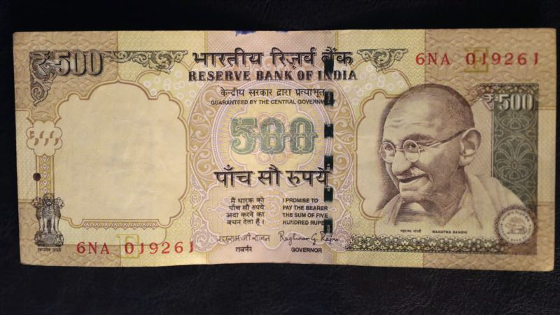 """India Abolishes Larger Banknotes in Fight Against Graft, 'Black Money"""""""