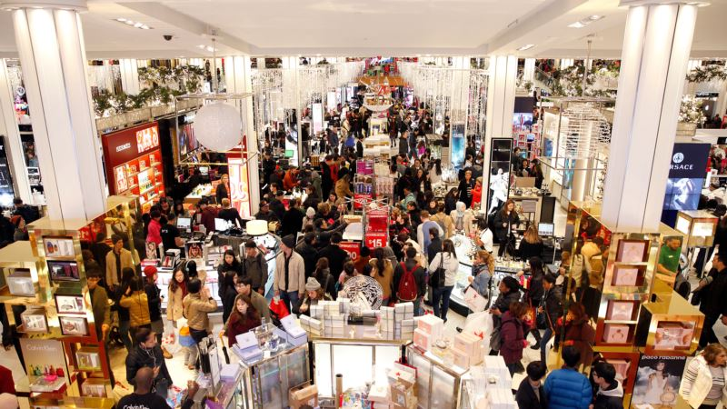 Bargain Hunters Flood Stores for 'Black Friday' Shopping Tradition