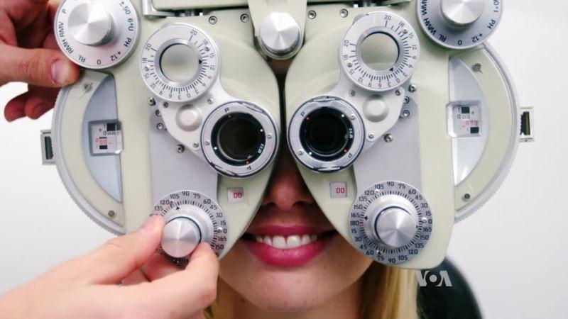 Foldable Cardboard Tube Brings Easy Eye Test to Developing World