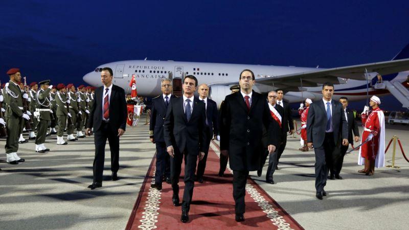 Tunisia Hosts Investors to Revive Post-revolution Economy
