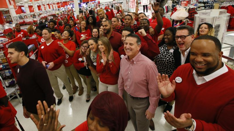 Some Forgo Thanksgiving Day Festivities for Black Friday Sales