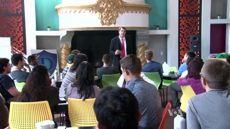 Silicon Valley School Uses Unconventional Methods to Train Entrepreneurs