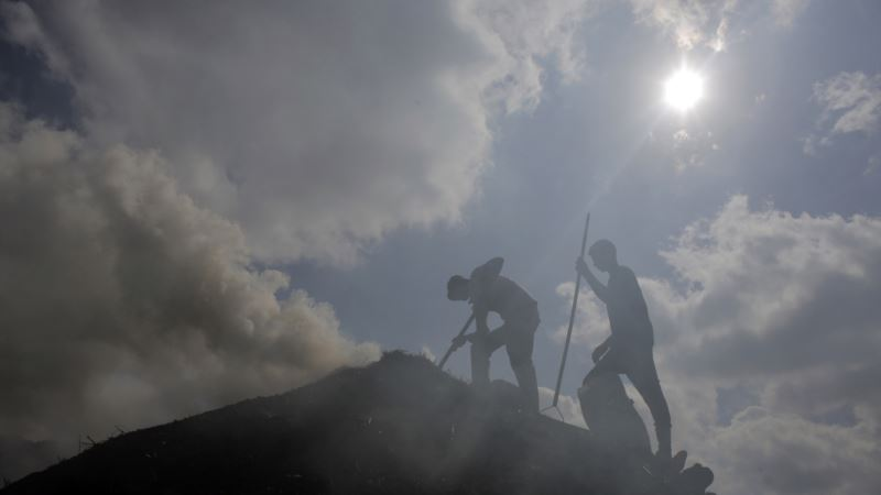 To Clear Air, Israel Shuts Charcoal Factories, Costing Palestinians Jobs